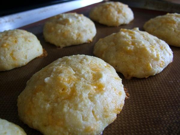 Cheddar cornbread tops