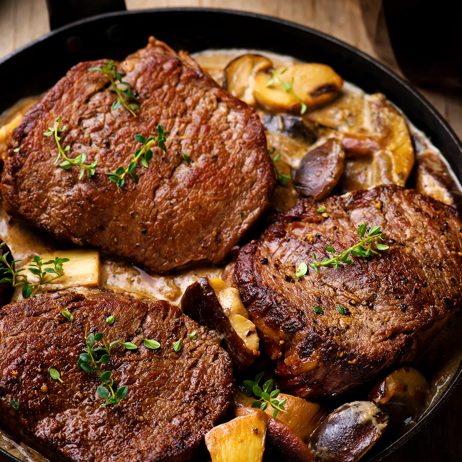 Beef sirloin with mushroom whisky sauce