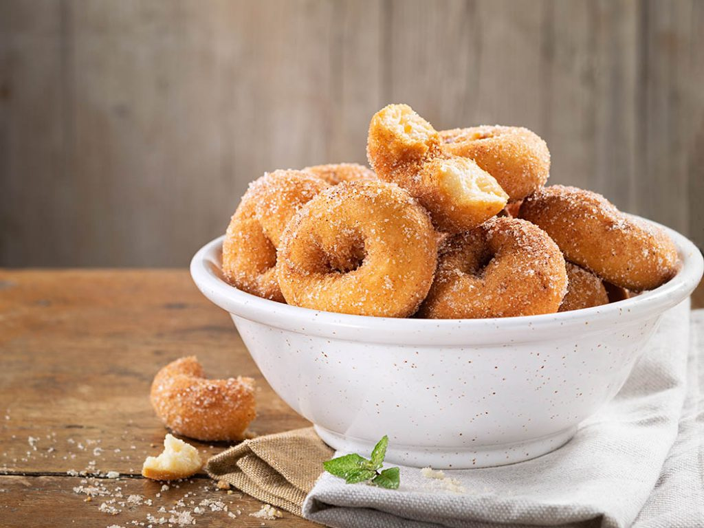 homemade mini sugared cinnamon donuts